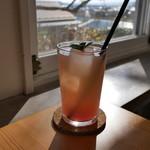 ブラン カフェ - ピンクグレープフルーツ