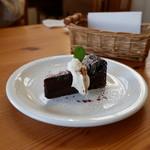 ブラン カフェ - チョコケーキ
