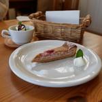 ブラン カフェ - ラズベリーケーキ