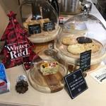コミンカフェ - クッキーやケーキも販売されています。
