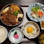 平川 - すき焼定食(2800円)