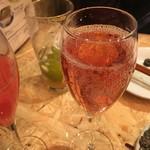 伊東の魚とワインの店 イトウバル - ロゼ スパークリングワイン