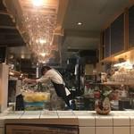 伊東の魚とワインの店 イトウバル - 店内