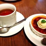 78103634 - 紅茶とクレマカタラーナ