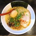 麺屋 燕 - 背煮干し醤油+たまご