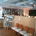 10ZEN 品川店 - 10ZEN正面です、手前の椅子に腰掛けて席が空くのを待ちます
