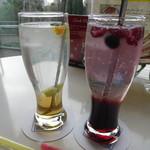 ブラフガーデンカフェ - エルダーフラワー¥600- ラズベリー&ローズ¥600-