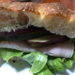 78108903 - ハードパンのサンドウィッチ