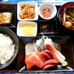 78110060 - 釧ちゃん食堂@釧路 刺身定食(1350円)