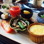 カフェ笑夢 - 料理写真:ランチはセットで1000円!