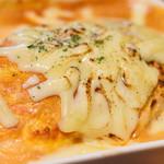 自家製パスタ洋食堂 マルブン - 焼きチーズオムライスグラタンのアップ