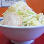 モッコリ豚 - ラーメン(大)+野菜増しニンニク増し増し
