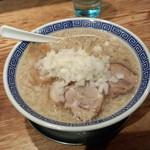神保町 可以 - 背脂煮干しラーメン(750円)