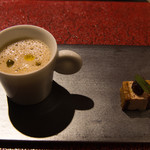 eclat - 料理写真:牛蒡のカプチーノとフォアグラサンド