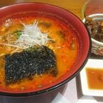神楽坂 翔山亭 - 赤温麺、ミニカルビ重