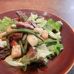 ル・プティヴィラージュ - リエージュ風サラダ かりかりベーコンとジャガイモ、インゲンのサラダです。