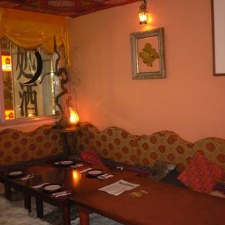 アラブスタイルの座敷