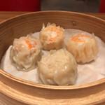 上海湯包小館 - 焼売の盛り合わせ(海老、蟹、貝柱)