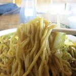 都食堂 - 中太の角麺で薄味仕上げ