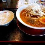 拉麺本家夢屋 - 拉麺ランチ(小ライス)