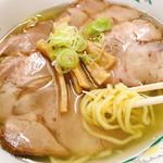 滋養軒 - チャーシュー麺(塩)