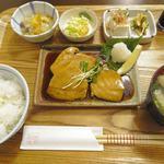 リゾム - マグロの照り焼き定食