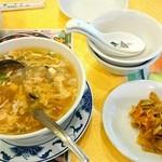 78144759 - セットのスープとザーサイ
