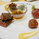 博多炉端 炉邸 - 宮崎産の尾崎牛を使った『肉三種盛り』。