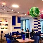 ザ コンランショップ カフェ   - ブルーがアクセントカラー
