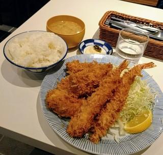 福与志 - カキフライ定食+海老フライ