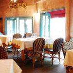 リストランテ・マリオ - 風通しの良く綺麗な風景が見える窓辺の席は大人気