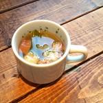78150818 - 自家製クルトンのランチスープ。