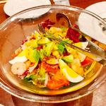 ビヤホール 銀座ライオン - 海老とアボカドのチョップドサラダ