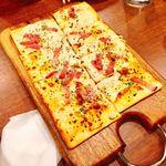 ビヤホール 銀座ライオン - フラムクーヘン(薄焼きピザ)