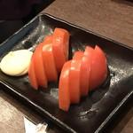 新世界串カツいっとく - 冷やしトマト380円(税別)