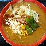 幸来 - 料理写真:濃厚ごま辛味噌ラーメン850円