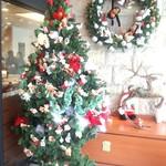 北菓楼 - 入口のクリスマスディスプレイ