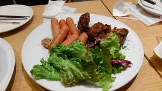 ハーレーパーク - ソーセージと鶏肉