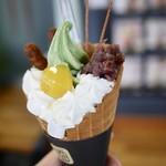 ソフトクリーム畑&チル アウト 富山本店 - 能登大納言抹茶栗あんころ