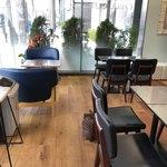ソフトクリーム畑&チル アウト - テーブル席