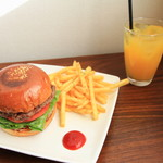 burger house GABURI - 何が違うのかポテトも美味しい