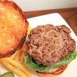 burger house GABURI - こんがりバンズに粗挽きパティ
