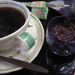 赤瓦五号館 久楽 - 珈琲と小豆