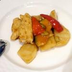 過門香 點 - 5,500円ノミホ付きコース、鶏肉と野菜のオイスターソース炒め