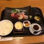 和食処旭屋 - 上刺身定食1500円です。 丁寧に造られて居ました。