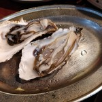 かき小屋フィーバー222 - 磯の香りがたまらない生牡蠣