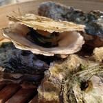 かき小屋フィーバー222 - コースでは一度きりの蒸し牡蠣