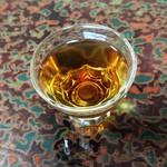 戸田本店 - 「貴醸酒」は、紹興酒のような色合い。