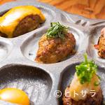 なごぬふぁ - 1番人気!肉の旨味がジュワーッとあふれる、やんばる若鶏の『つくねの盛り合わせ』
