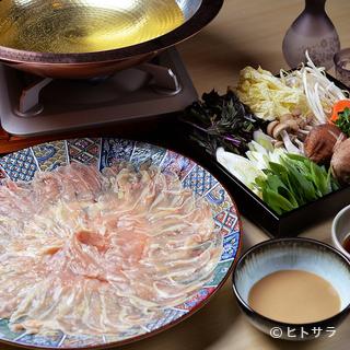 「伊達鶏」など国産地鶏の旨みを存分に味わえる料理がズラリ